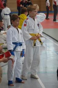 Lukas (blau) und Christoph (rot)