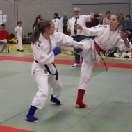 Jana (blau) und Vivienne (rot)