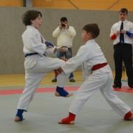 Lukas (rot) und Theo (blau)